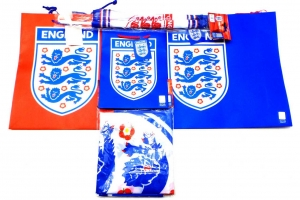 Joblot of 100 Assorted England FC Themed Novelties Gift Bags Car/Body Flags