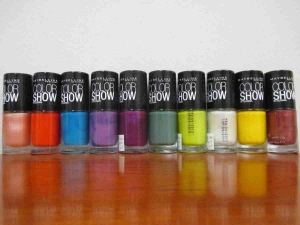 Parcel of 200 x Maybelline Colorshow Nail Polish + Colorama Nail Polish