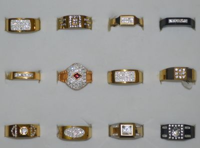 Clearance job lot of men and ladies metal rings X 53 units